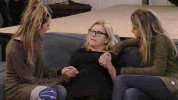 Demi en Fay maken zich zorgen om José