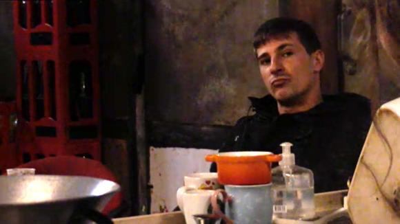 Johan, Baldr en René eten niet meer met de groep en dat zorgt voor frustratie