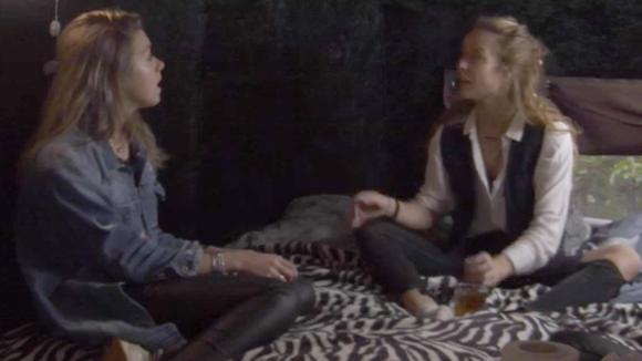 Demi en Fay zijn het er niet mee eens hoe Billy Romy behandelt