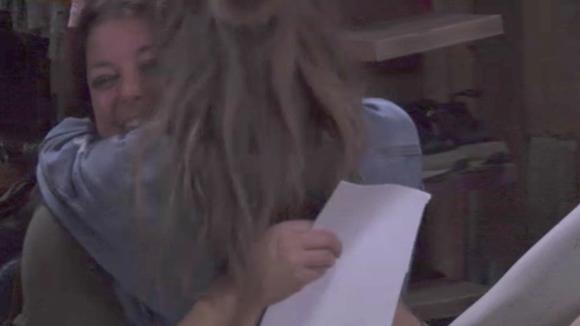 Fay geeft tegenover Demi toe dat haar actie niet netjes was