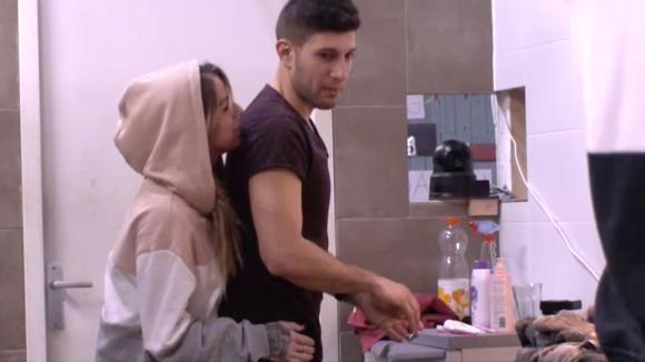 Mehmet waarschuwt Billy omtent haar nieuwe vlam