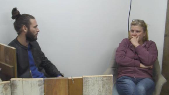 René en José praten weer tegen elkaar, het gaat alleen niet van harte