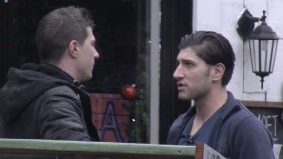 Johan vraagt Mehmet of hij wil werken