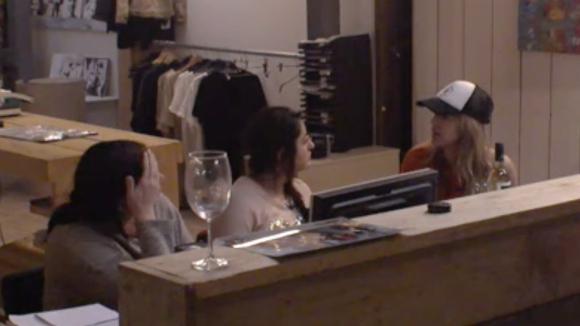 Billy, Linda en Madilia vinden dat de groep zich druk maakt om niets