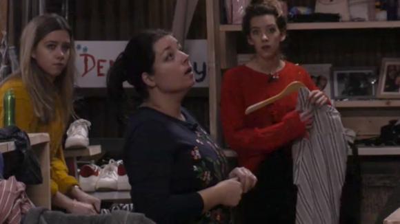 Demi en Fay voelen zich aangevallen door Linda en Beau