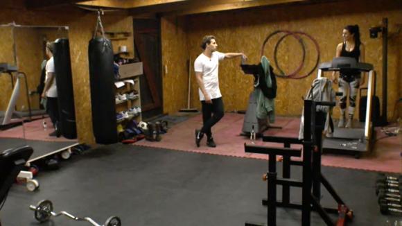 Bas en Beau beleven ongemakkelijke momenten in de gym