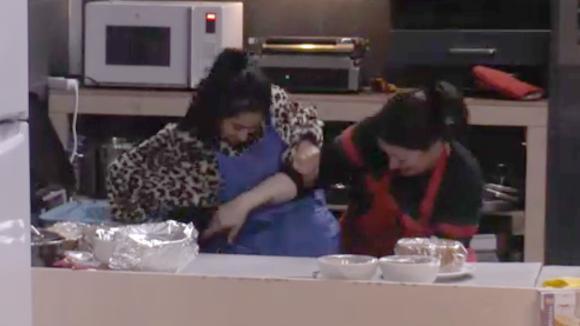 Beau, Madilia en Linda zijn aan de cake-off wedstrijd begonnen