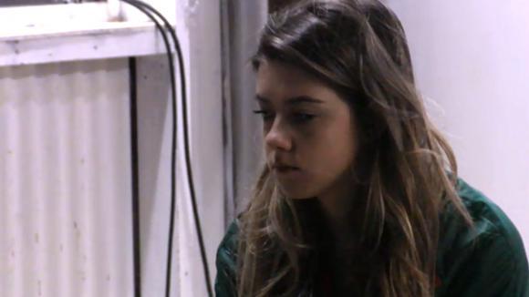 De tweeling is bang om weggestuurd te worden en Madilia vreest voor gedragsverandering