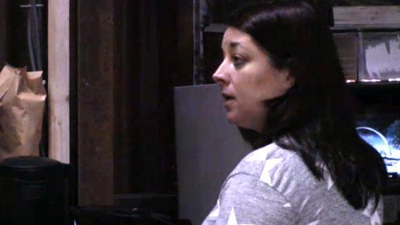 Linda bespreekt met Fay de ruzie en het besluit wat ze met Madilia besloten heeft