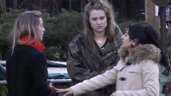 Madilia, Billy en Romy zijn boos op José omdat zij Billy verbiedt lak te spuiten in het atelier
