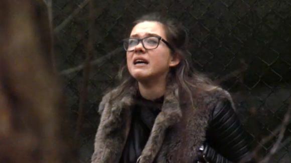 Demi barst in huilen uit door een opmerking van Chipp die totaal verkeerd gevallen is