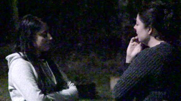 Madilia en Linda vinden dat Chipp slijmgedrag vertoont