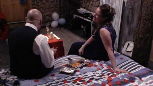 Baldr en zijn vrouw starten romantisch aan hun huwelijksnacht
