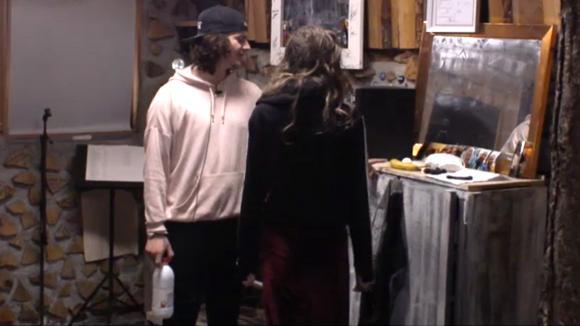 Chipp is vastberaden om erachter te komen of Baldr de liefde heeft bedreven met zijn vrouw