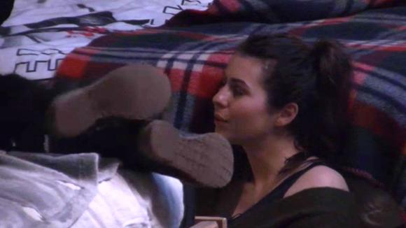 Linda en Madilia confronteren Beau over de mannelijke aandacht die ze vraagt